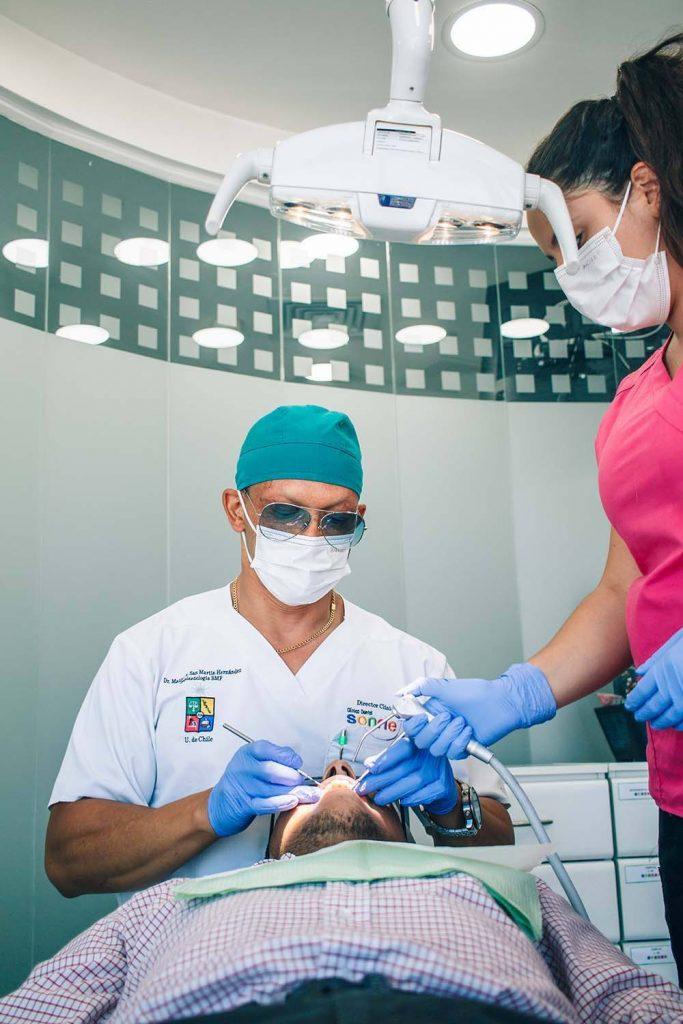 cirugía bucal especialistas en Santiago